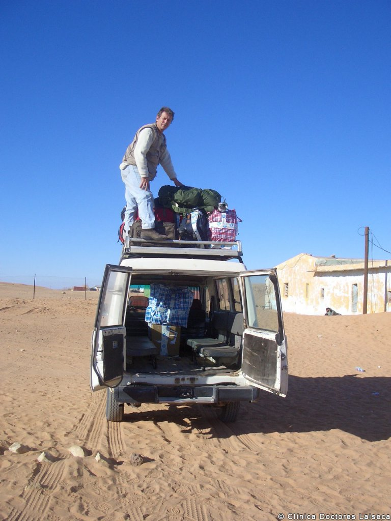 Colaboración con ONG. Prótesis oculares en el Sahara